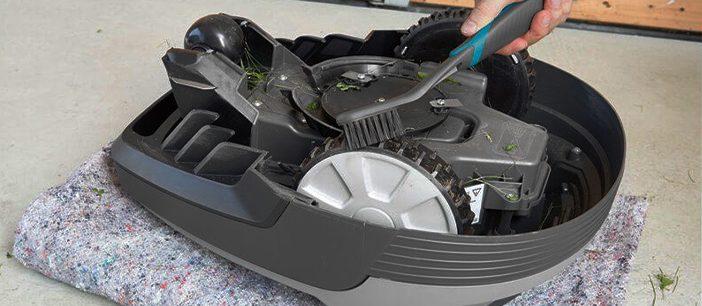 Nettoyage robot tondeuse